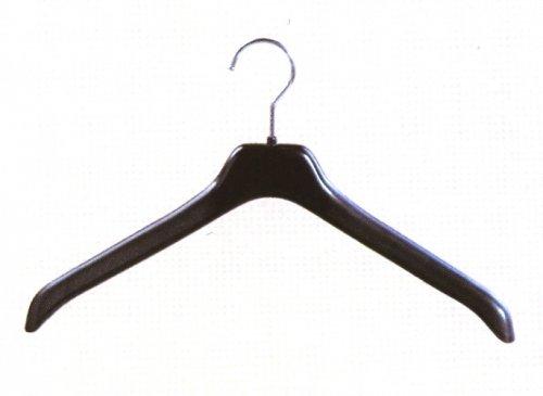 Вешалка для женской верхней одежды с крючками